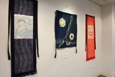 ■在ニューヨーク日本領事館の議ラリーにて、「前掛け軸」作品を展示(2012年11月)