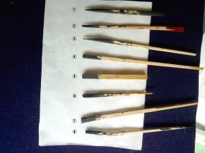 削ったり折ったり、叩いたりして作った8種類の割箸