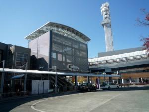 JR甲府駅北口、武田神社まで一直線。バスで7、8分
