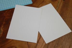 出来上がった表紙・裏表紙用の厚紙